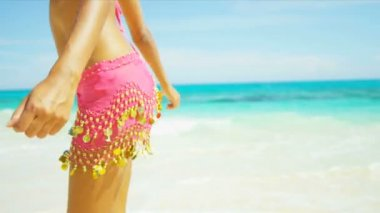 Close Up Lower Body Beach Girl Wearing Bikini Sarong — Stock Video