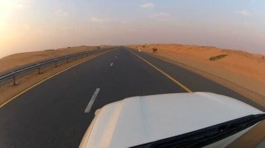 Vehicle on desert tarmac roads — Stock Video