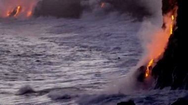 Molten lava pouring into ocean waters — Stock Video