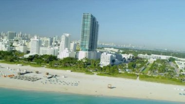 Aerial view Art Deco hotels, Miami — Stock Video