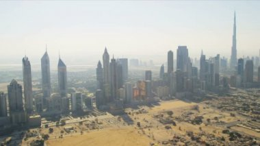 Aerial view cosmopolitan downtown Dubai — Stock Video