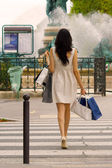 Back of woman shopping in Paris — Stock Photo