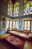 Sofa in Topkapi palace harem — Stock Photo