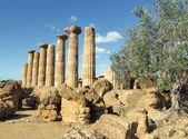 Grecian temple — Stock Photo
