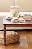 Books on coffee table — 图库照片