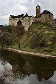 Loket 城堡在 czechia 附近罗维 — 图库照片