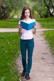 Girl reading book — Стоковое фото