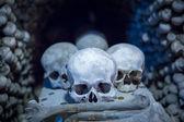 Human skulls and bones in Sedlec Ossuary, Kostnice cemetery church of All Saints in Sedlec — Stock Photo