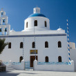 Foto de Stock  : Traditional White Church of panagia of platsani Oia island Santo