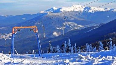 Ski lift, static video. — Stock Video