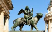Konzerthaus hall statue, Gendarmenmarkt square — Stock Photo