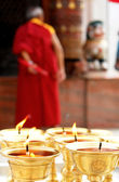 Velas em bodnath stupa a rezar — Foto Stock