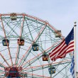 Wonder Wheel located at Deno's Wonder Wheel Amusement Park in Co — Stock Photo