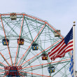 Wonder Wheel located at Deno's Wonder Wheel Amusement Park in Co — Stock Photo #31967617