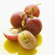 Whole and Halved Grapes — Stock Photo