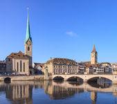 チューリッヒ、女性大聖堂、聖ペテロ教会 — ストック写真