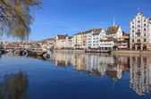 Zurich cityscape - view along the Limmat river — ストック写真