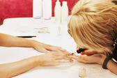 Güzellik spa kuaförde manikür — Stok fotoğraf