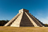 Ancient Mayan city in Yukatan - Chichen Itza — Stock Photo