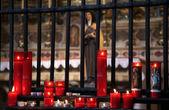 Velas acesas em uma igreja ortodoxa, religião — Foto Stock