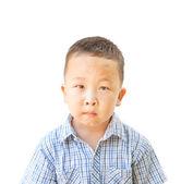 6 岁的情感亚洲男孩,孤立在白色的背景 — 图库照片