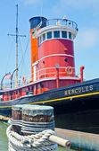 A steamboat docked at Fisherman's Wharf in San Francisco — Stock Photo