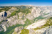 One of the spectacular views from the top of Half Dome at Yosemi — Stock Photo