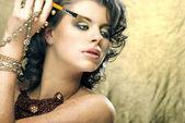 Maquiagem. cosmético. base para a maquiagem perfeita certifique-up.applying — Fotografia Stock