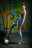 派手なサッカー女の子 — ストック写真