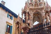Santa Maria Antica, Via Arche Scaligere, Verona, Province of Ver — Stock Photo