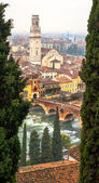 Domo de Verona, Italy. ponte di Pietra — Stock Photo