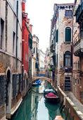 Kanalerna i vinecia, italien — Stockfoto