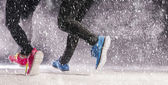 Couple running in winter — Stock Photo