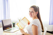 Woman working in home office — Stock Photo