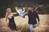 Familia divertirse juntos — Foto de Stock