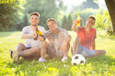 Friends spending free time together — Stock Photo