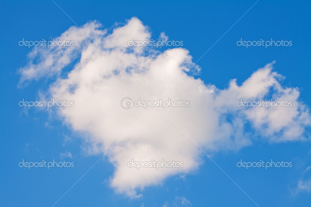 Heart cloud on the big blue sky — Stock Photo #15451971
