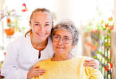 Altenpflege zuhause — Stockfoto