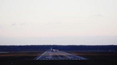 Avión despega — Vídeo de Stock
