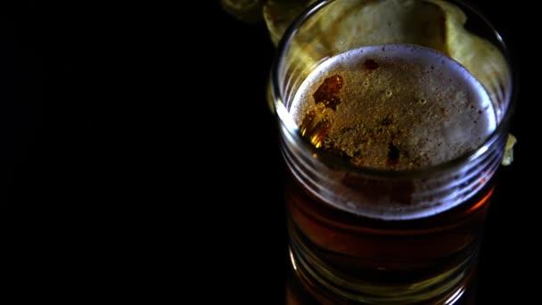 Bière et frites — Vidéo