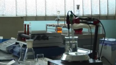 Mixing of solution in a laboratory — Stock Video