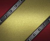 Красный фон с золотой табличку для письма с заклепками — Стоковое фото