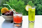 Ice-cold lemonade — Stock Photo