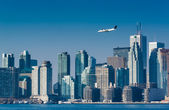 Business Jet Landing in the City — Stock Photo