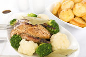 Roast Dinner - Roast Partridge & Vegetables — Stock Photo