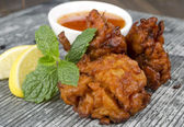 Onion Bhajis and Dip — Stock Photo