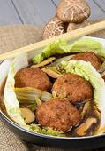 Lions Head Meatballs — Stock Photo