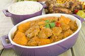 Fıstık körili kuzu eti ve tatlı patates — Stok fotoğraf