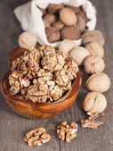 Walnuts whole and peeled.  — Stock Photo