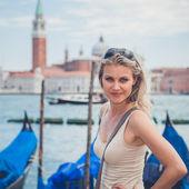 Portrait of A Beautiful Girl in Front Venezian Canal Gondolas — Stock Photo